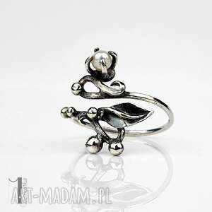 sakura - srebrny pierścionek z perla miechunka - słodkowodna perła