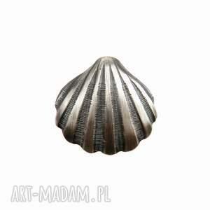 hand-made wisiorki muszelka duża szara - zawieszka srebrna