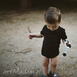 ręcznie robione czarne body dla niemowląt i dzieci z krótkim rękawem