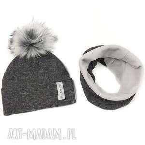 komplet zimowy - czapka z pomponem i komin podszyty polarem - kolor ciemny szary szary