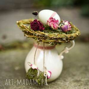stroik wielkanocny w dzbanuszku z jajkiem, porcelana, stroik, wielkanic, glamour