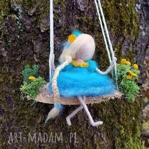 laleczka ola dekoracyjna wróżka na huśtawce-mobil kolekcja