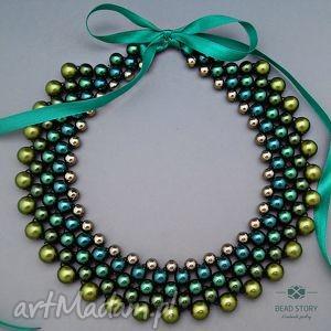 naszyjnik w odcieniach zieleni, naszyjnik, perły, korale, kolia, wstążka, kołnierzyk