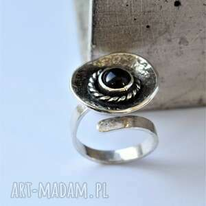 regulowany pierścień z onyksem, pierścionek minerałem, srebrny