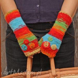 handmade rękawiczki mitenki folk z kwiatkami