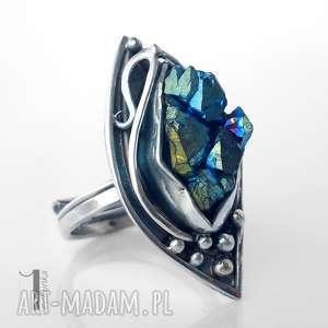 Gynvael I srebrny pierścień z kwarcem tytanowym, srebro, metaloplastyka, kwarc, druza