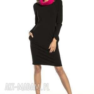 Sportowa sukienka z kominem i kieszeniami, t294, czarny fuksja