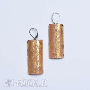 kolczyki emaliowane ze złotem płatkowym, emalia jubilerska, złoto płatkowe