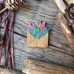 broszka list miłosny, broszka, koperta, drewno dębowe, kwiaty, naturalne