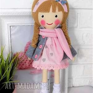 malowana lala laura z szalikiem - lalka, zabawka, przytulanka, prezent, niespodzianka
