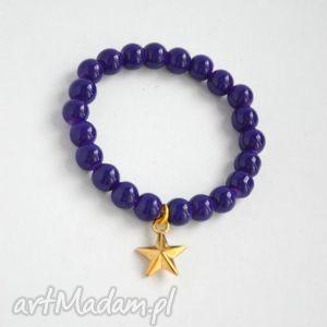 bracelet by sis złota gwiazda w granatowych koralach, korale, granatowy, gwiazdka