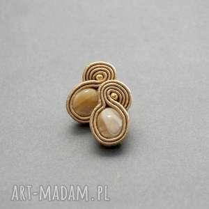 małe kolczyki sutasz z masą perłową, sznurek, eleganckie, małe, wieczorowe