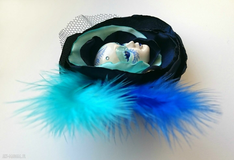 turkusowe broszki maska broszka zkolekcji masquerade