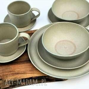 szaro-beżowy zestaw ceramiczny dla dwojga z sercem, ceramika, talerz, miseczka