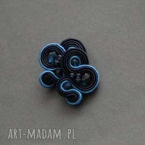 granatowo-niebieskie klipsy sutasz, sznurek