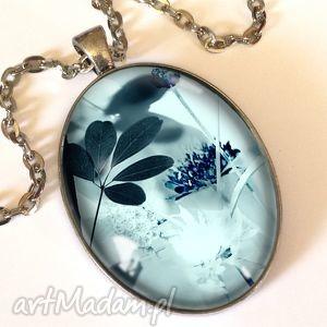 zimowy poranek - owalny medalion z łańcuszkiem - nostalgiczny