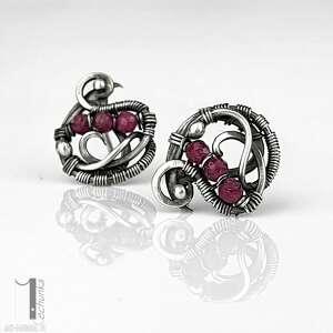ellipsis - srebrne sztyfty z rubinami - kolczyki z rubinami, kolczyki srebrne
