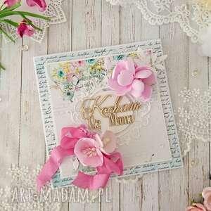 Kartka na dzień matki w ozdobnym pudełku różowa scrapbooking