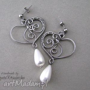 kolczyki z perłami seashell, stal chirurgiczna, wire wrapping, serca, perły, seashell