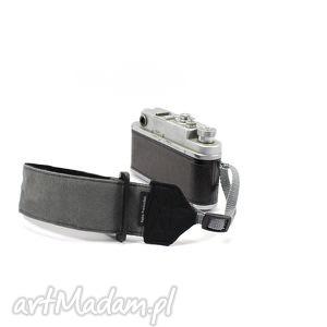 pasek nadgarstkowy wrist strap dla fotografa reportera, fotograf, pasek, aparat