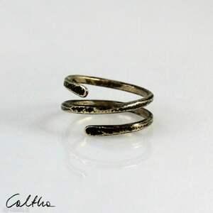 zawijasy - mosiężny pierścionek 210305-02, pierścionek, w kolorze złota