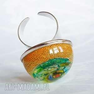 niezwykły szklany pierścionek, żywica, szklany, perełki, niespotykana, niesztampowa