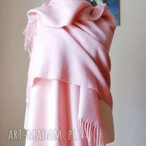 bardzo ciepły różany szal 100 wełny, pastelowy z wełniany