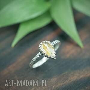 srebrny pierścionek kwarc z rutylem, ze złotym oczkiem