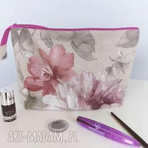 ręcznie robione kosmetyczki kosmetyczkalniana organizer kwiaty