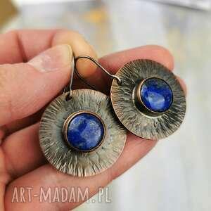 lapis lazuli na miedzianych tarczach c854-3, kolczyki koła, miedziane