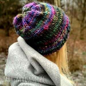 ręcznie zrobione czapki kolorowa czapka