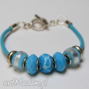 niebieska bransoletka z rzemienia skórzanego koralikami ze szkła murano, szkło