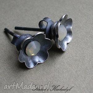 hand-made kolczyki kwiatuszki - mgiełki