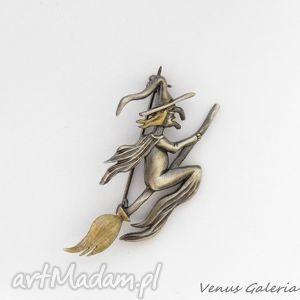 Broszka srebrna - wiedźma duża broszki venus galeria biżuteria,