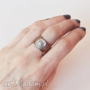 Pierścionek z oksydowanej miedzi /3/, pierścionek, pierścień, miedż,