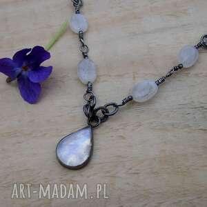 kropla z księżycem, naszyjnik srebro, biżuteria kamień księżycowy