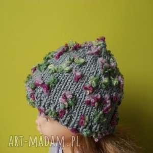 czapka z głową w kwiatach, rękodzieło, czapka, wełniana, cieplutka