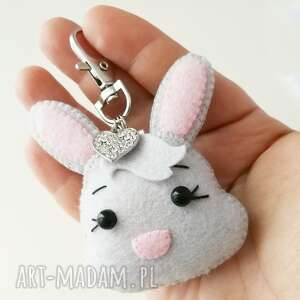 brelok do kluczy - króliczek maurycy, brelok, prezent, personalizowany, filc