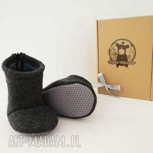 Prezent Bambosze hand made / wełna zapinane na zamek , buciki, papcie, wełniane