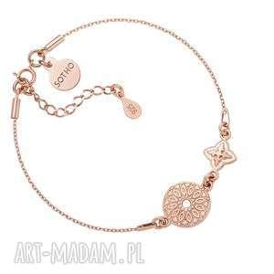 handmade bransoletka z różowego złota rozetką i medalionem
