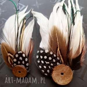 ręcznie zrobione ozdoby do włosów zamówienie ślubne specjalne - fascynator i przypinka