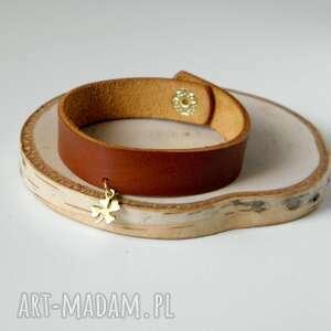 skórzana bransoletka ze złotą koniczynką na szczęście - idealna prezent
