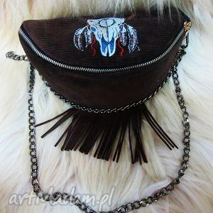 nerki torebka nerka na łańcusku z haftem, nerka, frędzle, skóra, haftowane, indiański