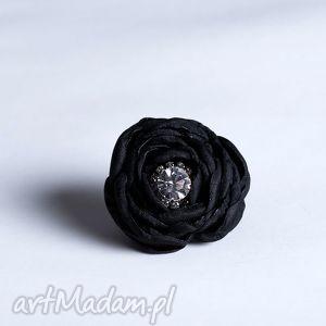 flowering - kwiatowy pierścionek czarny z cyrkonią, pierścionek