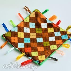 metkowiec w kolorowe romby - metkowiec, chłopczyk, dziecko, przytulanka, narodziny