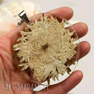 z139 duży wisior z suszonym kwiatem w żywicy, naszyjnik-z-kwiatem, biżuteria-z-żywicy