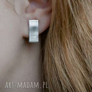 srebrne kolczyki prostokątne, prostokąt, surowy, srebro, minimalistyczny, prosty