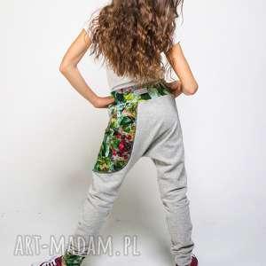 ręcznie zrobione ubranka spodnie dresowe dziecięce jungle 134 -152 cm