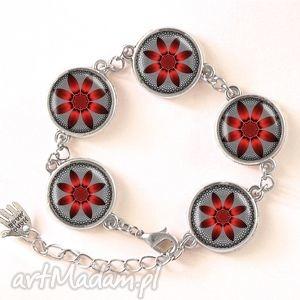 czerwone kwiaty - bransoletka - nowoczesna elegancka, kaboszon