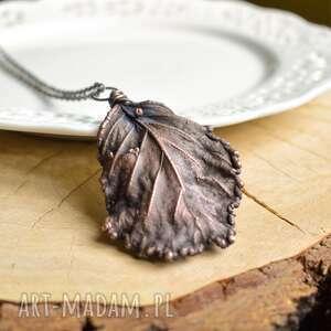 olcha czarna - naszyjnik z prawdziwym liściem, naszyjnik z liściem, liść